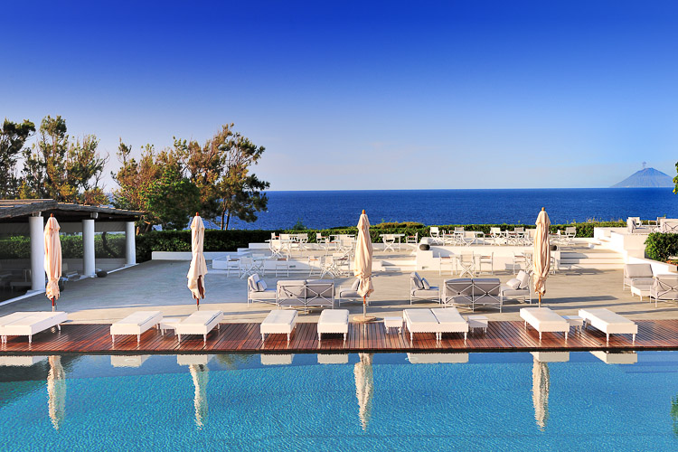 Punta Faro Resort, Salina