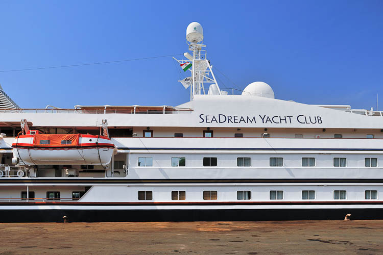 Seadream II Yacht Club